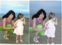 Schilderij van foto laten maken vrouw met kind op strand laten maken